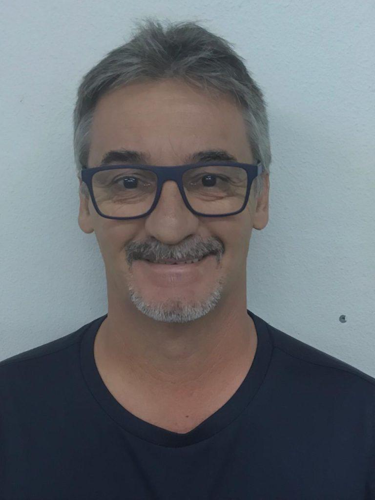 Adriano Aparecido Tessaro - Inglês - 7º, 8º e 9º ANOS e 1º e 2º ANOS E.M.